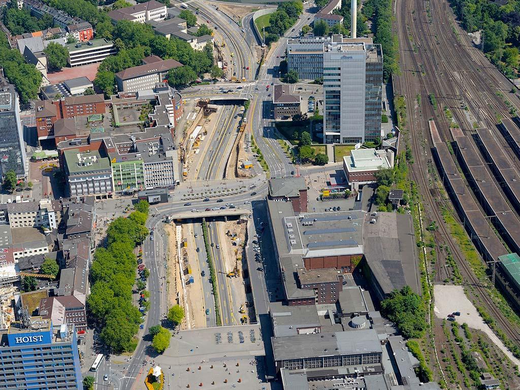 Mercatortunnel an der A59 Duisburg aus der Vogelperspektive
